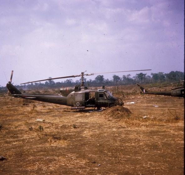 US ARMY HUEY 'BUSHRANGERS' AT ANDERSEN Photos: Bob Dabinett OAM 3RAR